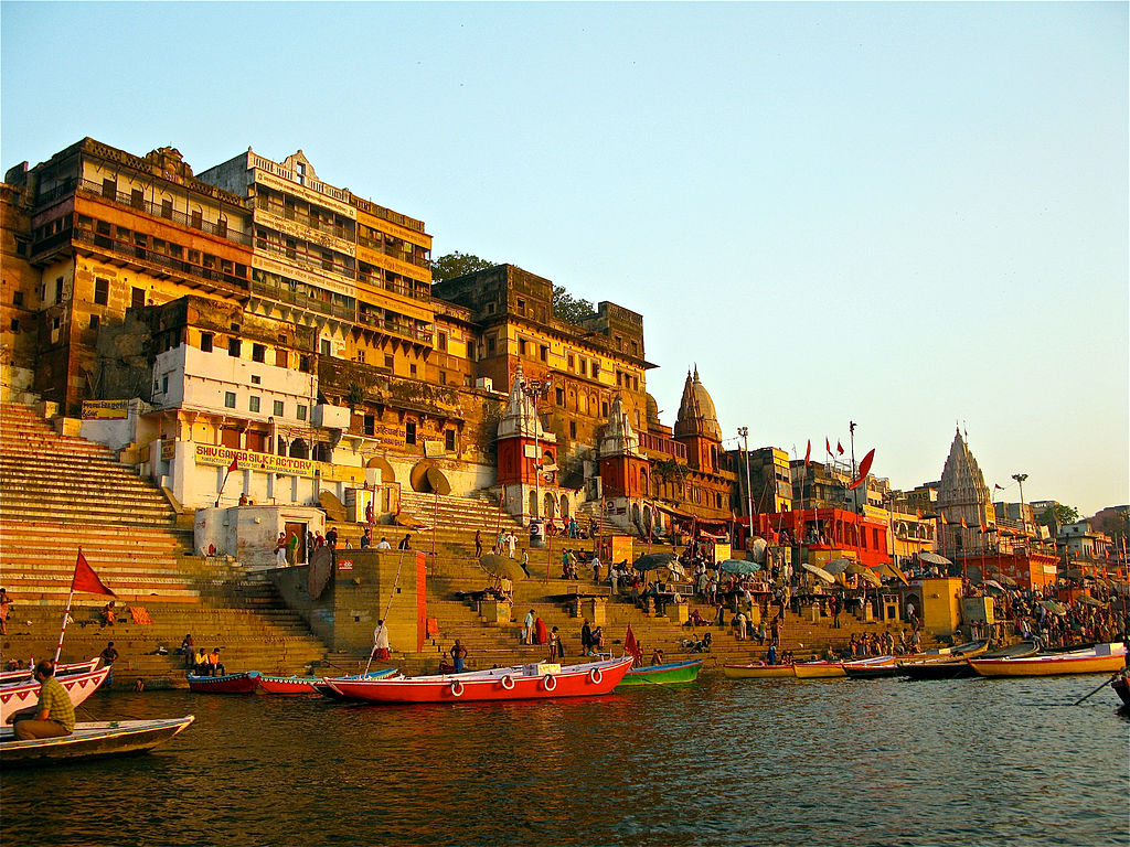 Ahilya_Ghat_by_the_Ganges_Varanasi